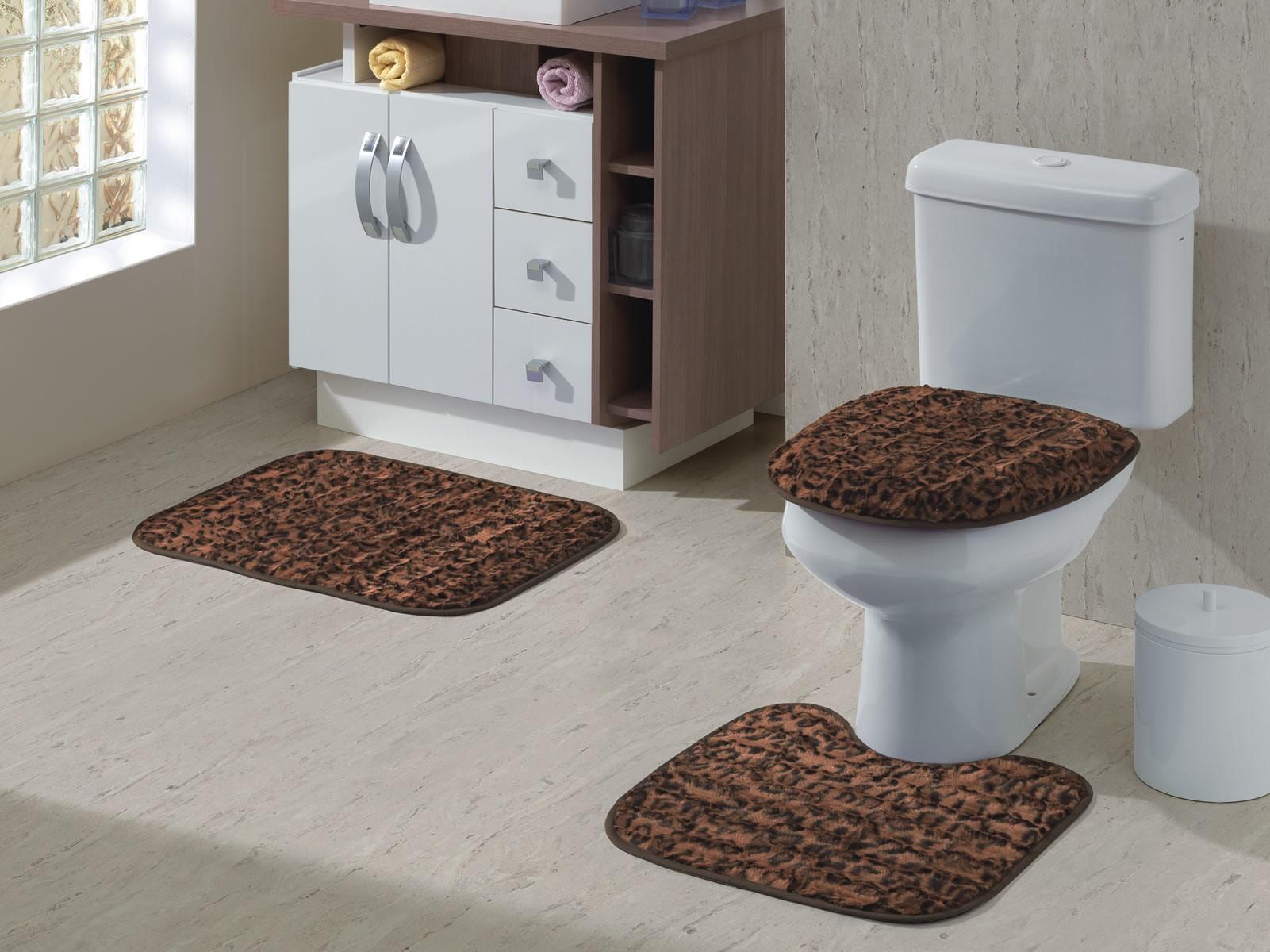 13 Modelos de Tapetes para Banheiro -> Tapete Banheiro Pequeno