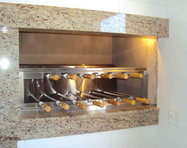 churrasqueira-em-residencia-moderna