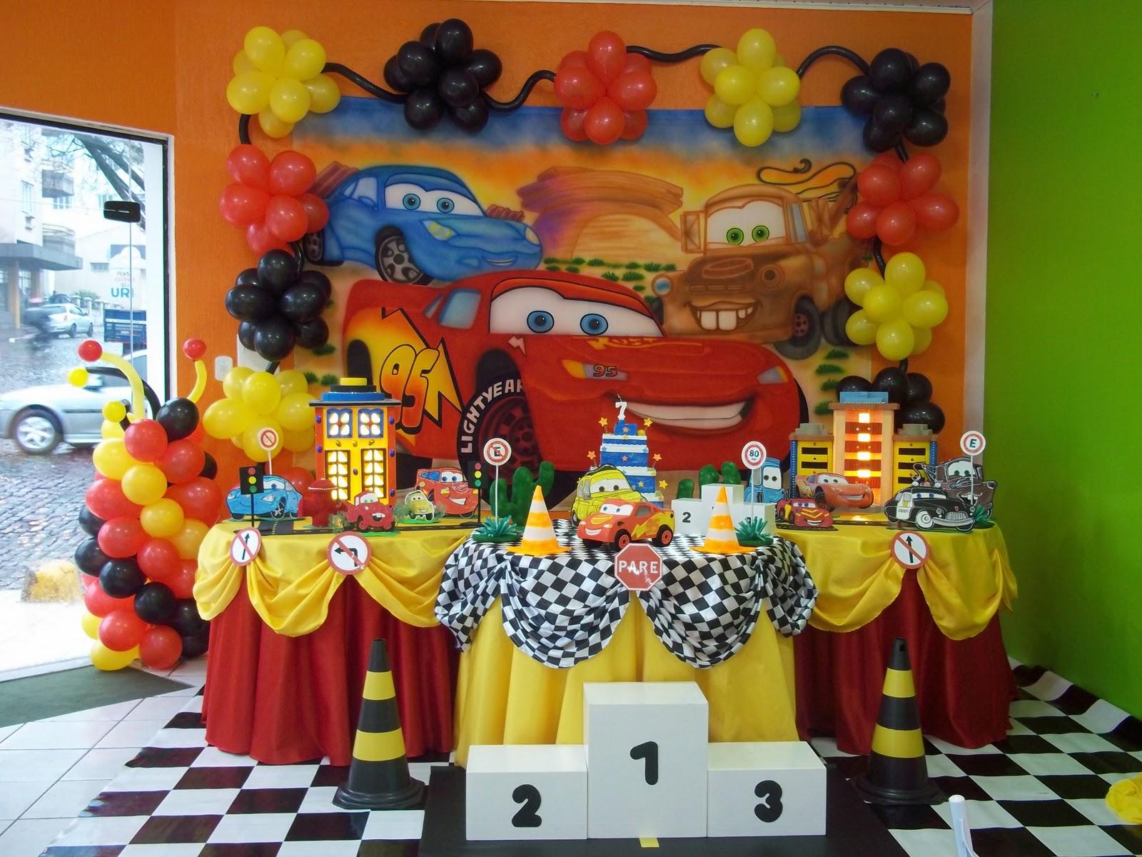 Decora o de festa infantil tema carros for Decoracion para aniversario