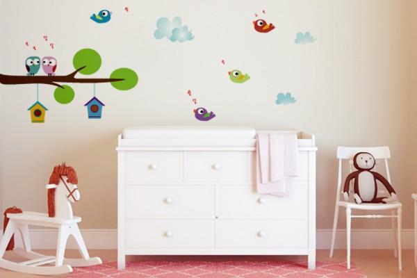 decoracao-de-quarto-com-adesivos-na-parede
