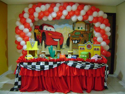 decoracao-para-aniversario-tema-carros