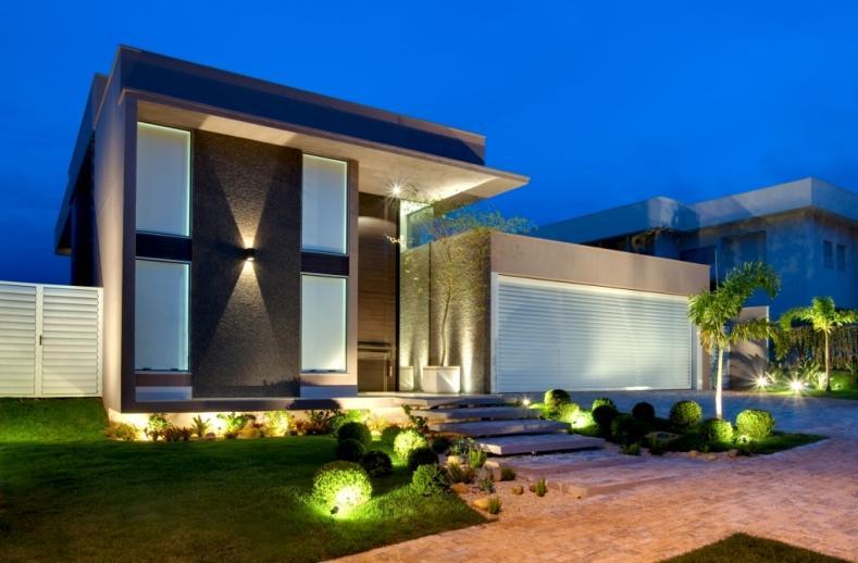 18 modelos de fachadas de casas modernas for Casa minimalista 2018