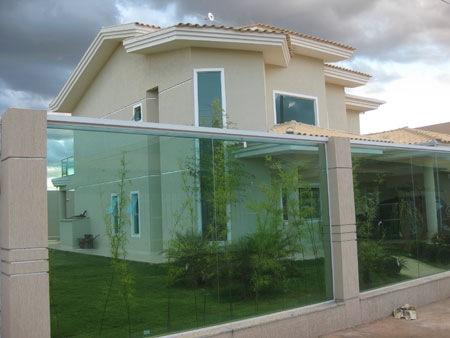 18 modelos de fachadas de casas modernas for Fachadas de casas elegantes modernas