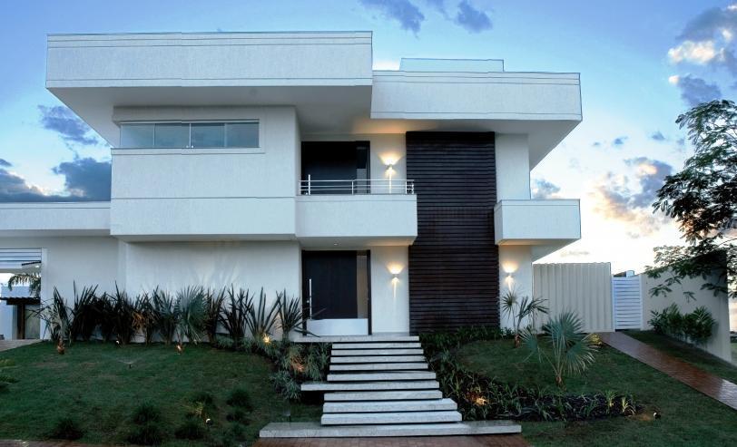 18 modelos de fachadas de casas modernas for Casas modernas lindas