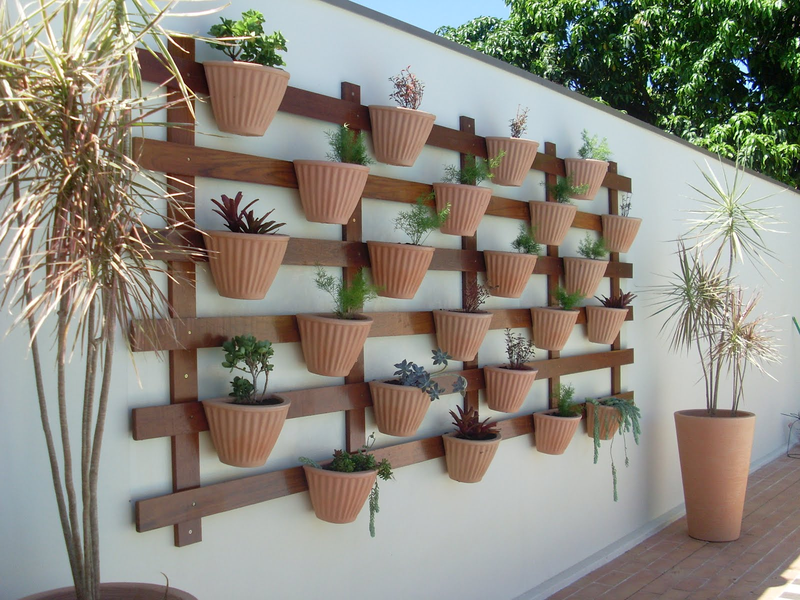 jardim vertical latas:Garden Vertical Gardening Ideas