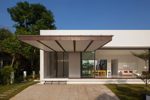 18 fotos de exteriores de casas modernas for Minimalist house with courtyard