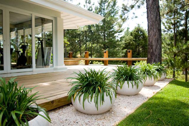 21 fotos de jardins de casas para voc se inspirar for Fotos de jardines de casas