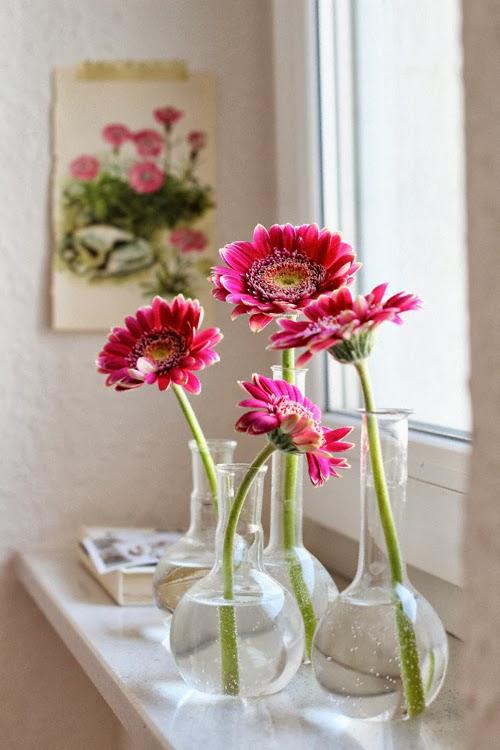 vasos-com-flores-na-decoracao