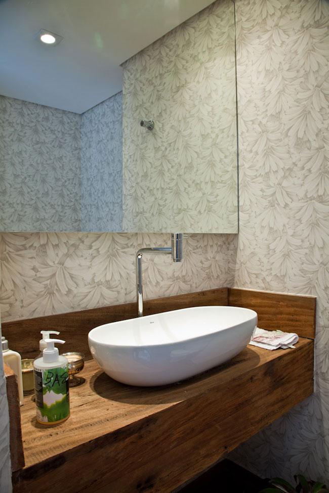 19 Modelos para Decoração de Banheiro social -> Banheiro Moderno Com Papel De Parede