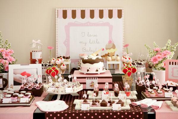 como-decorar-um-cha-de-bebe-para-meninas