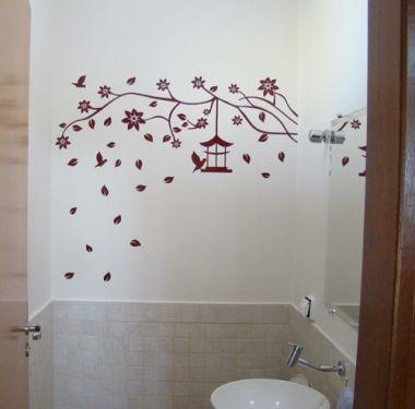 Adesivo na decoração do banheiro