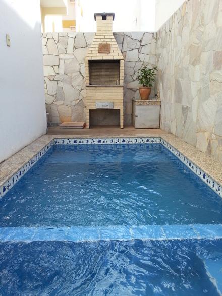 Piscinas em casa pre os acess rios e 18 modelos - Fotos de casas con piscinas pequenas ...
