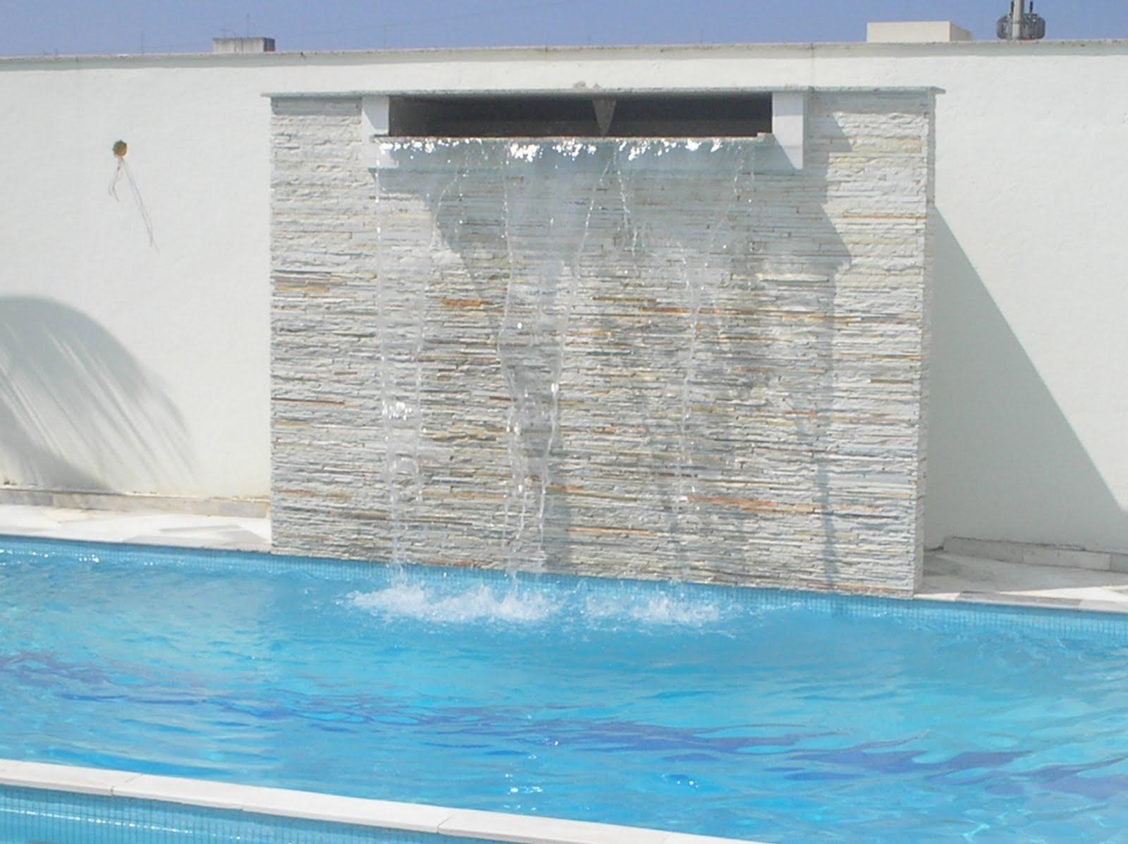 piscinas com cascatas