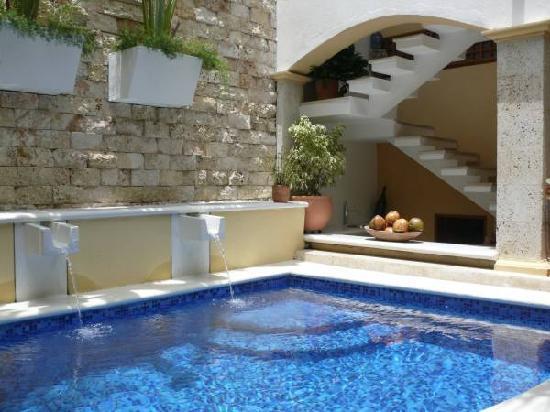 Rea de lazer simples com piscina 13 modelos for Modelos de piscinas fotos