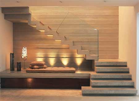 escada-sofisticada-em-madeira