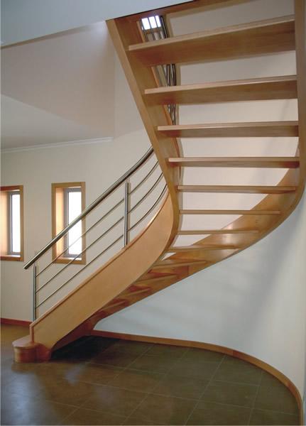 decoracao de interiores sotaos:Escadas Internas de Madeira – 16 Modelos para inspirar