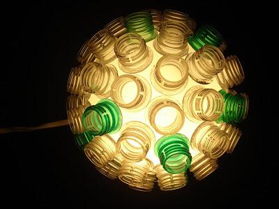 luminaria-com-garrafas-pet
