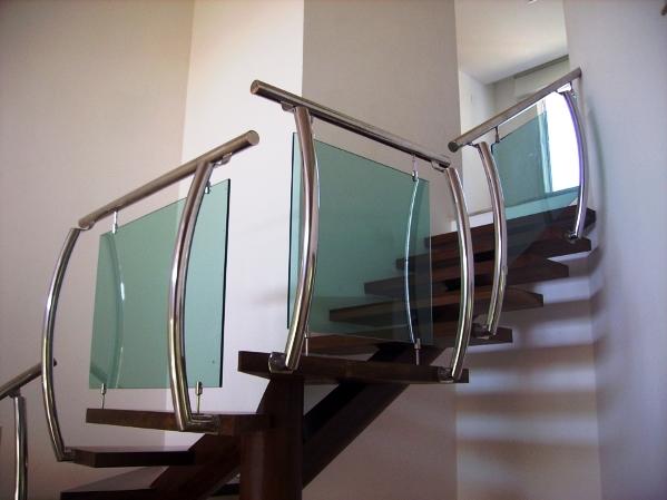 Escadas com Corrimão de Vidro modelos