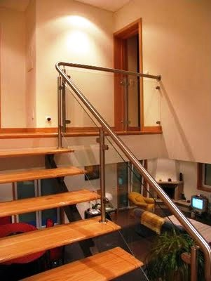 Modelos de Escadas com Corrimão de Vidro diferente