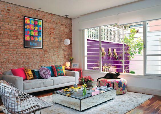 salas-de-estar-decoradas-com-muitas-cores