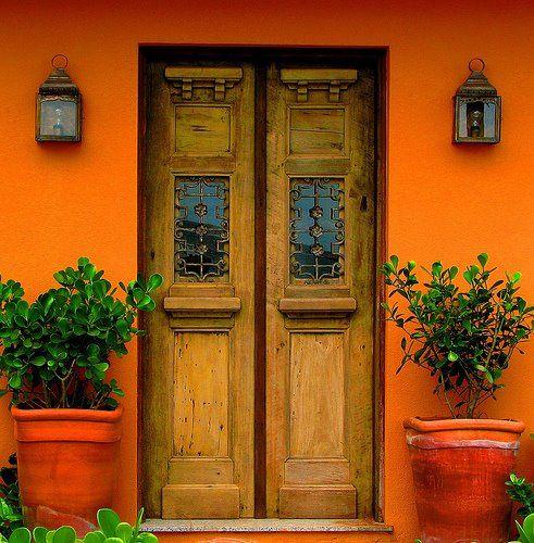 fachada-de-casa-colorida-linda