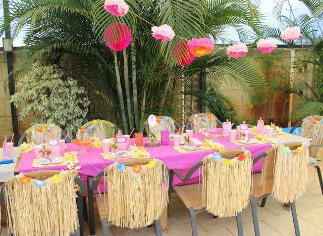 Decora o de festa havaiana 30 modelos inspiradores for Idee party in piscina