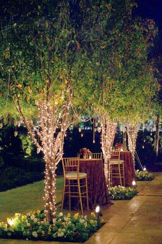 festa de noivado com luzes