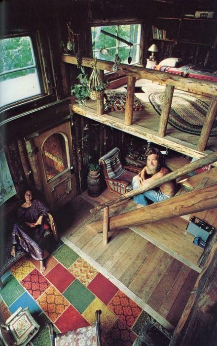 lofts com escadas de madeira