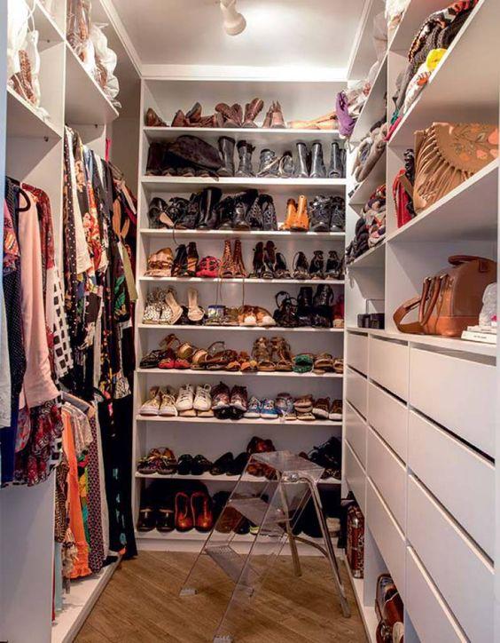 40 Closets pequenos que vão inspirar você! -> Closet Pequeno Com Banheiro