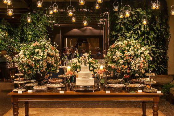 Como decorar Mesas de Bolo de Casamento