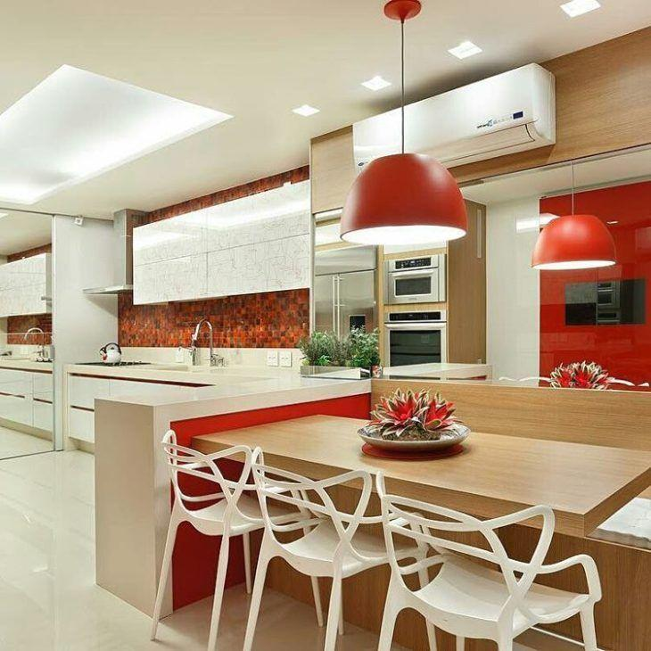 Cozinhas Vermelhas espaçosas