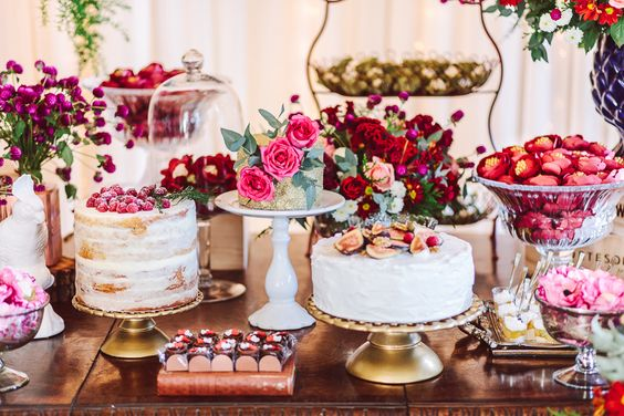 Resultado de imagem para varios bolos para casamento