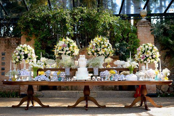 Mesas de Bolo de Casamento (60 Fotos lindas + Dicas) -> Decoração De Mesa De Bolo Casamento Simples