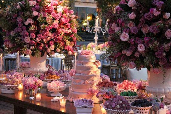 Mesas para Bolos de Casamentos chiques