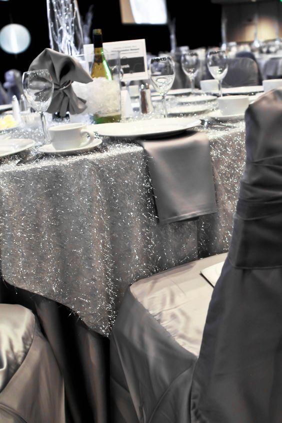 como-decorar-uma-mesa-de-reveillon