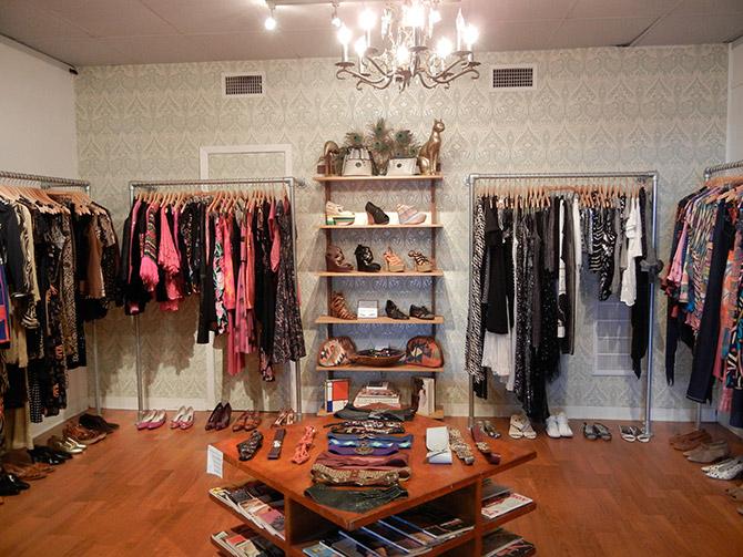 decoracao-de-loja-moda-feminina-com-lustre