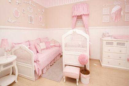 quarto-de-bebe-feminino-decorado