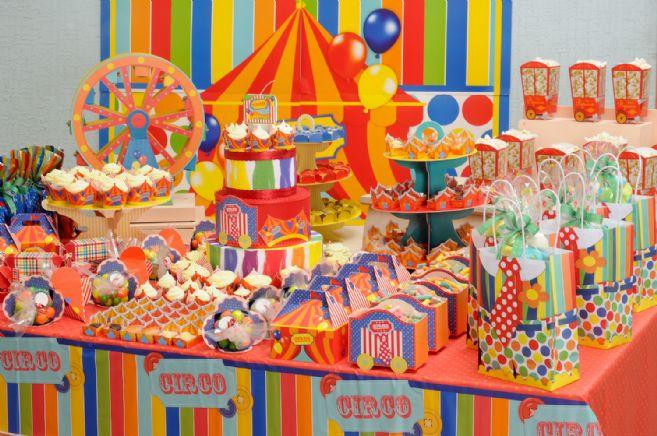 decoracao-de-mesa-de-aniversario-tema-circo