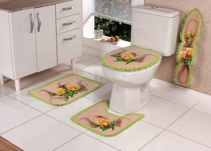modelo-de-tapete-bordado-para-banheiro