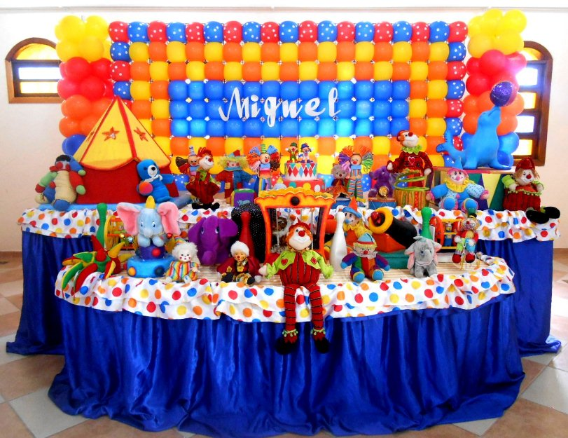 Decoração de festa infantil colorida