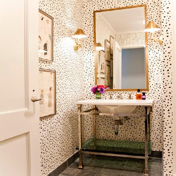 banheiros pequenos com espelhos
