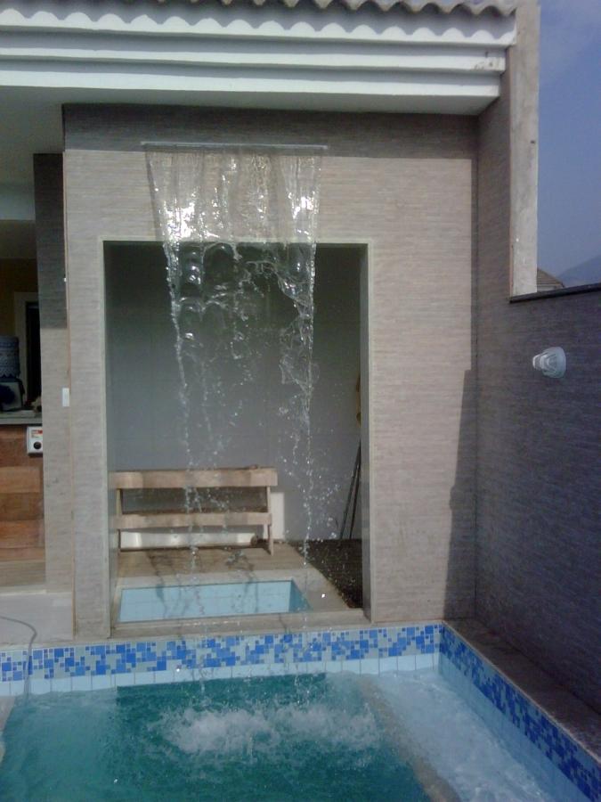 piscinas-com-cascatas