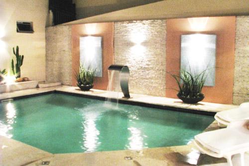 area-de-lazer-simples-com-piscina