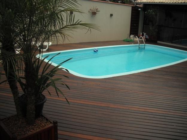deck-de-madeira-para-piscinas