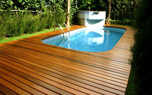 fotos-deck-de-madeira-para-piscinas
