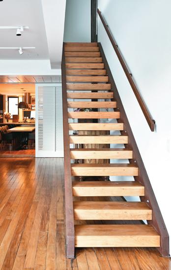 modelo-de-escada-de-madeira