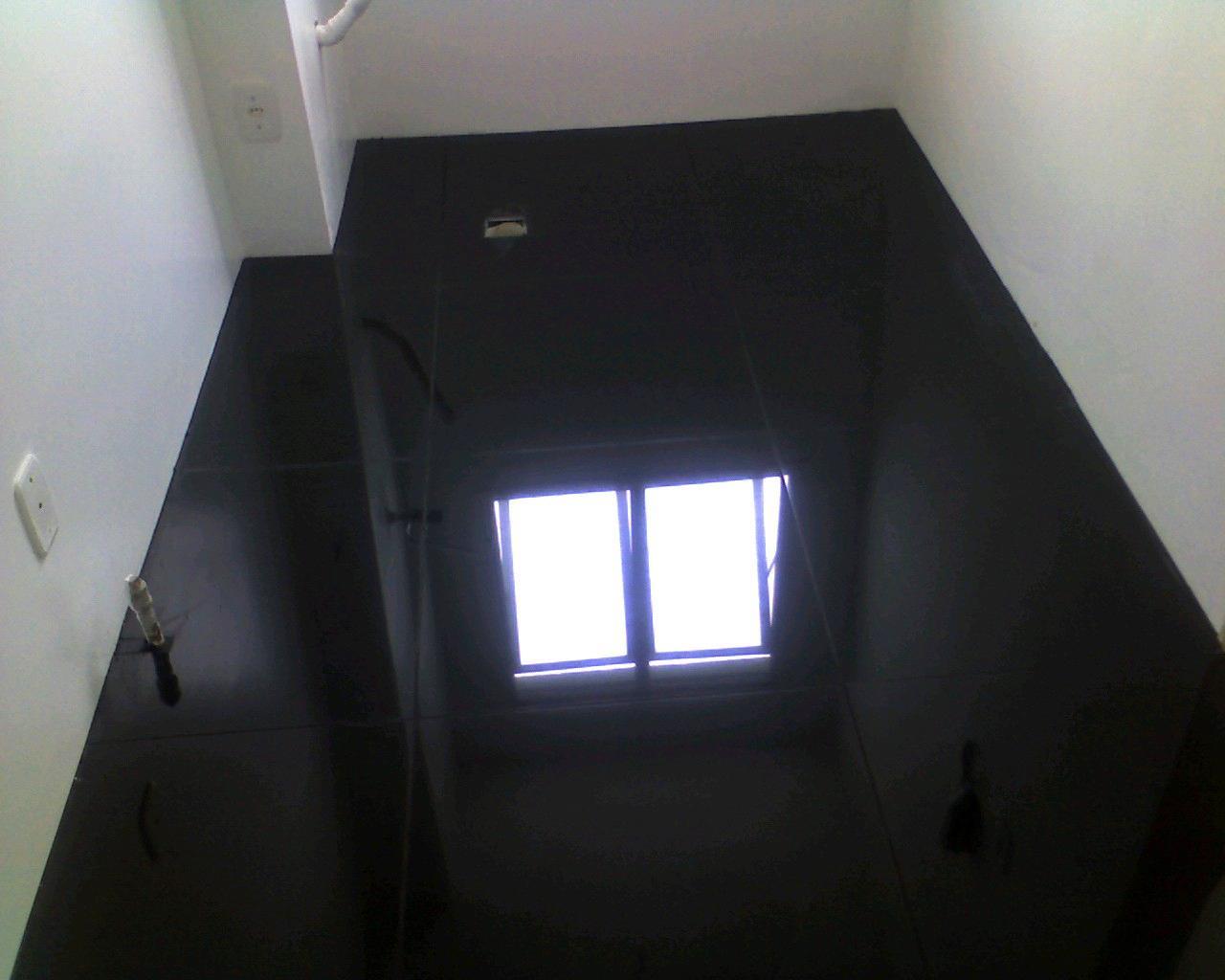 piso-em-porcelanato-preto