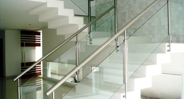 decoracao Escadas com Corrimão de Vidro