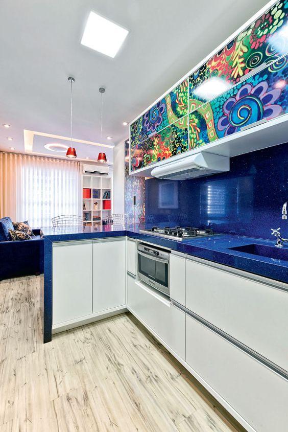 cozinha-pequena-colorida