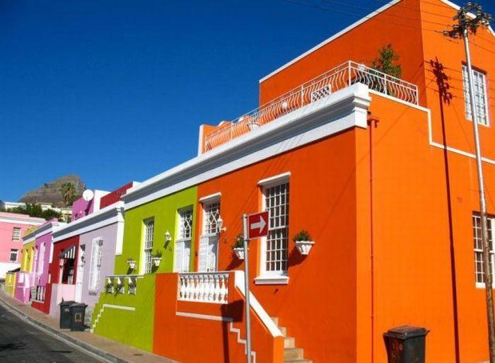 casas-coloridas-no-bairro